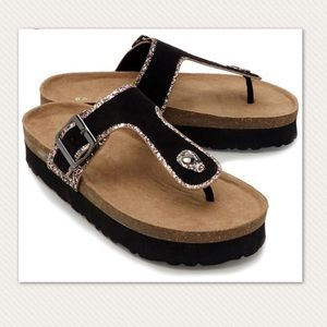 Bamboo T-Strap Black Foodbed Sandals